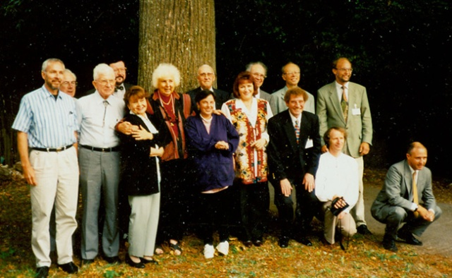 Founding members of INIT, the International Network for Instrumental Transcommunication, 1995 (l-r): Mark Macy (usa), Tony Broad (gbr), Hans Luethi (che), Jules Harsch (lux), Irma Weisen (fin), Juliet Hollister (usa), Sonia Rinaldi (bra), Theo Locher (che), Maggy Harsch-Fischbach (lux), Guenther Emde (deu), Nils Jacobson (swe), Fritz Malkhoff (deu), Claudius Kern (aut), Ralf Determeyer (deu), Jonathan Marten (gbr).