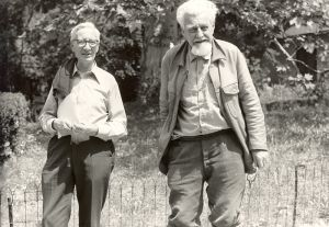 Konrad Lorenz (right) and his friend, fellow Nobel Laureate Nikolaas Tinbergen.